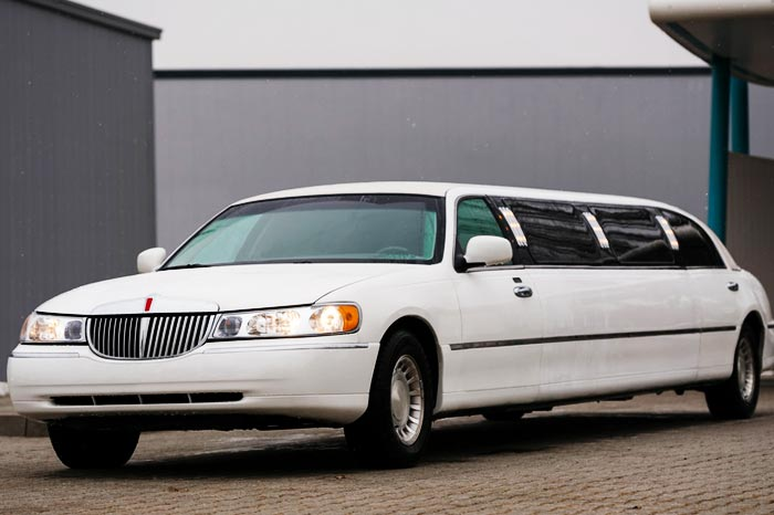 noleggio limousine per feste a roma